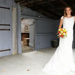 Bride holding Flowers | Filbert B&B, Danielsville, PA